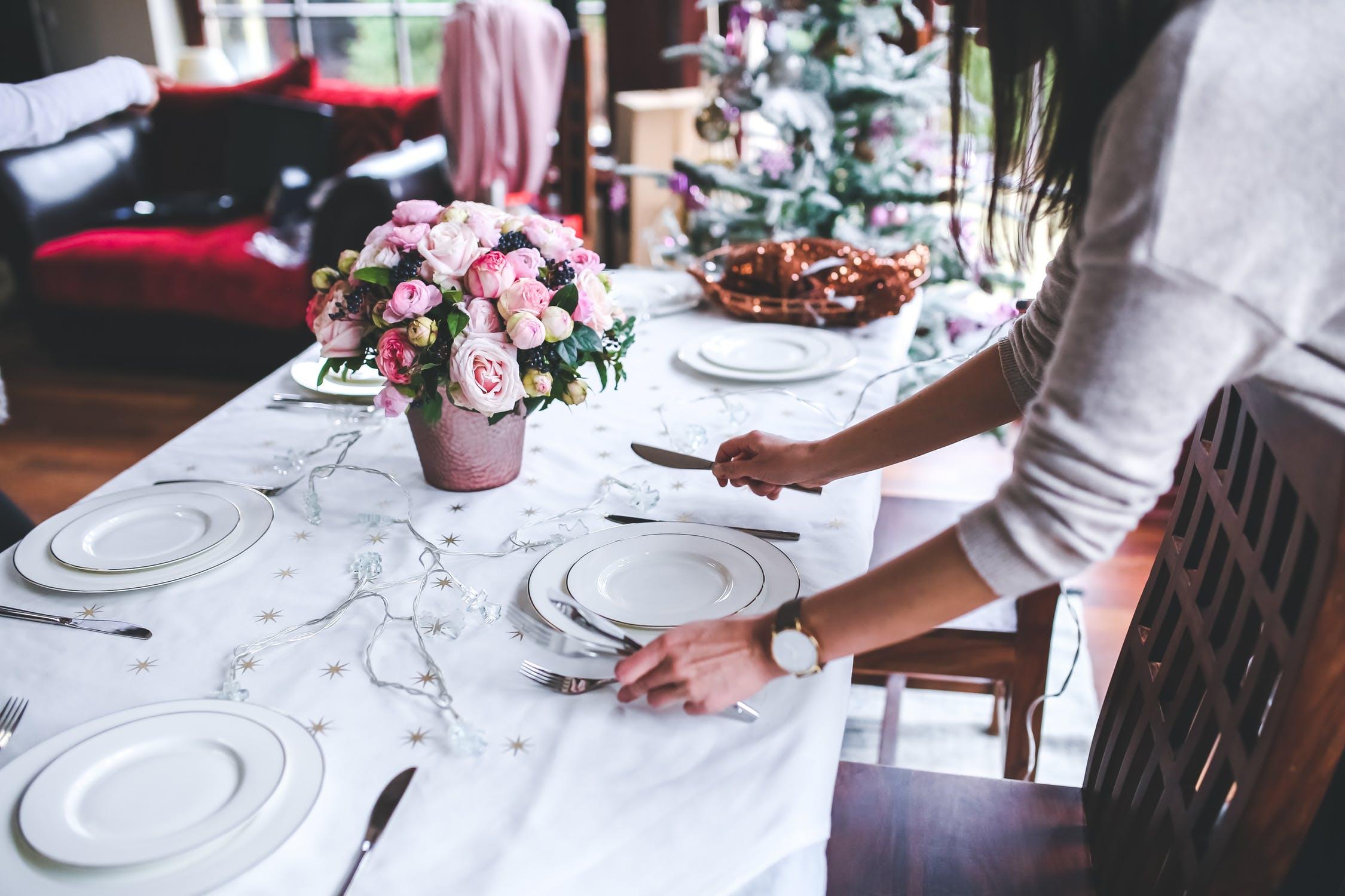 dinner table setup image